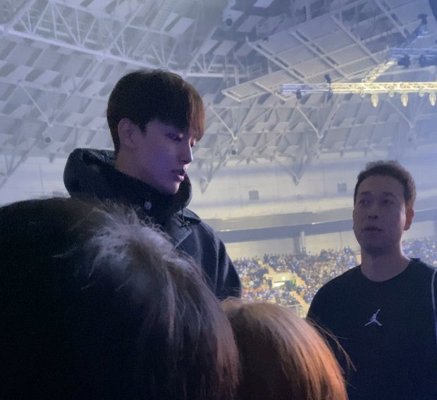 Dàn khách mời đỉnh cao trong concert của IU: Bắt gặp Song Hye Kyo - Song Joong Ki đi hẹn hò, hơn nửa showbiz đều góp mặt - Ảnh 13.