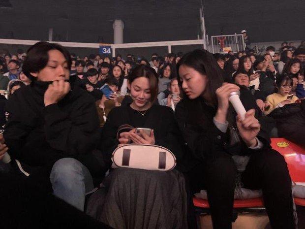 Dàn khách mời đỉnh cao trong concert của IU: Bắt gặp Song Hye Kyo - Song Joong Ki đi hẹn hò, hơn nửa showbiz đều góp mặt - Ảnh 15.
