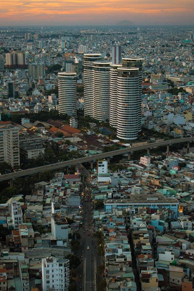 Hiếm người biết đứng từ Sài Gòn vẫn có thể nhìn thấy núi, danh tính địa điểm này mới là điều khiến dân mạng tranh cãi - Ảnh 7.