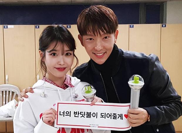 Dàn khách mời đỉnh cao trong concert của IU: Bắt gặp Song Hye Kyo - Song Joong Ki đi hẹn hò, hơn nửa showbiz đều góp mặt - Ảnh 8.