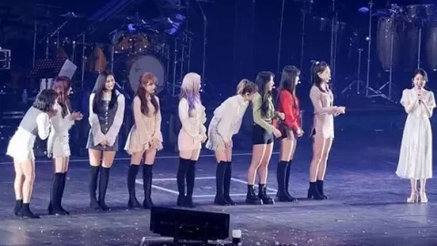 Dàn khách mời đỉnh cao trong concert của IU: Bắt gặp Song Hye Kyo - Song Joong Ki đi hẹn hò, hơn nửa showbiz đều góp mặt - Ảnh 27.