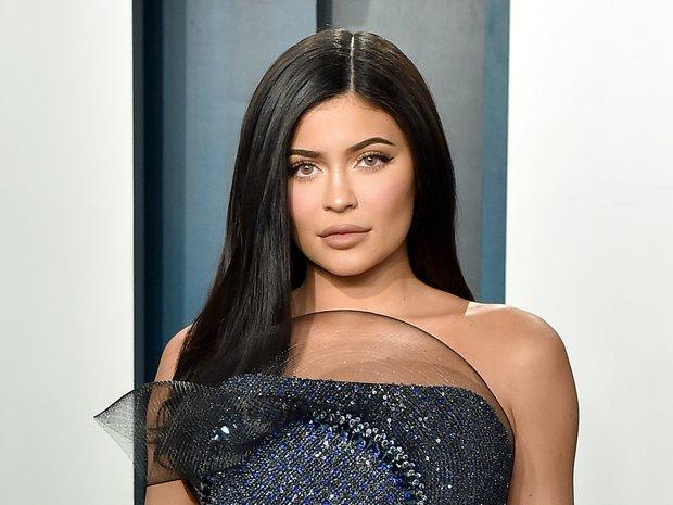 Thái độ chảnh chọe của sao đình đám với fan bóc trần tính cách thật: Chị em nhà Kylie khinh ra mặt, Justin - Miley đáng sợ? - Ảnh 3.