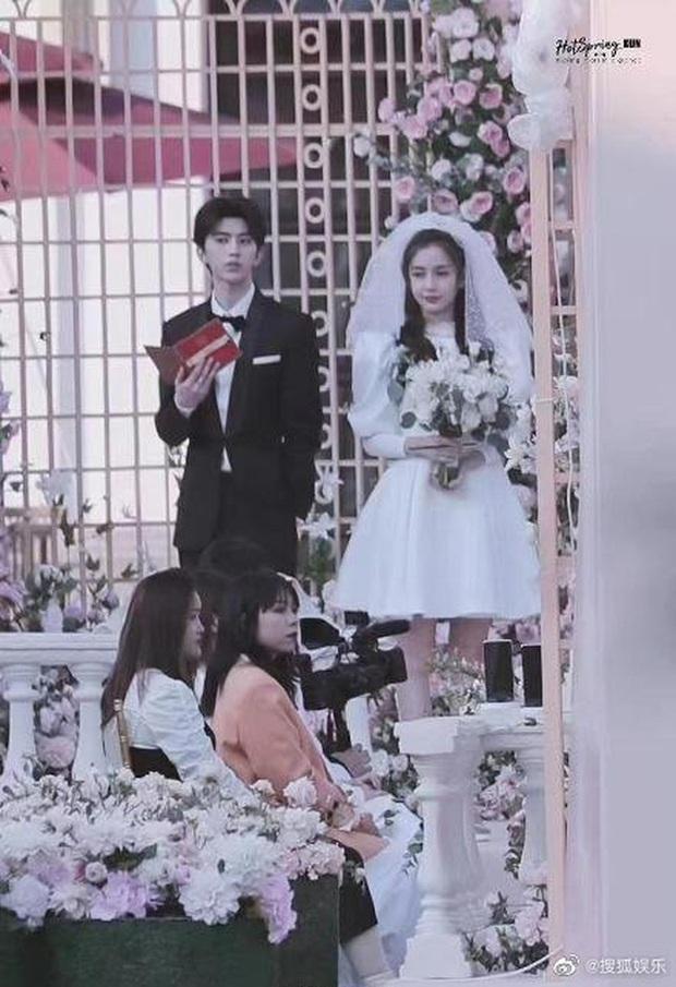HOT: Không phải Lisa, Angela Baby mới là người đang hẹn hò Thái Từ Khôn, lộ cả bằng chứng chỉ với 1 bức ảnh? - Ảnh 8.