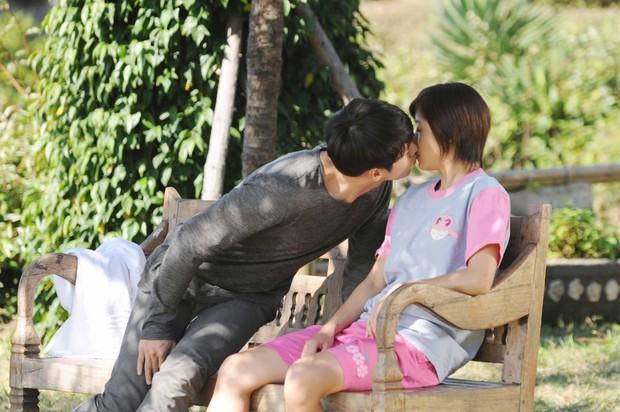 Dàn sao Secret Garden sau 11 năm: Hyun Bin hạnh phúc bên Son Ye Jin, chị đại U40 vẫn đẹp nức nở - Ảnh 1.