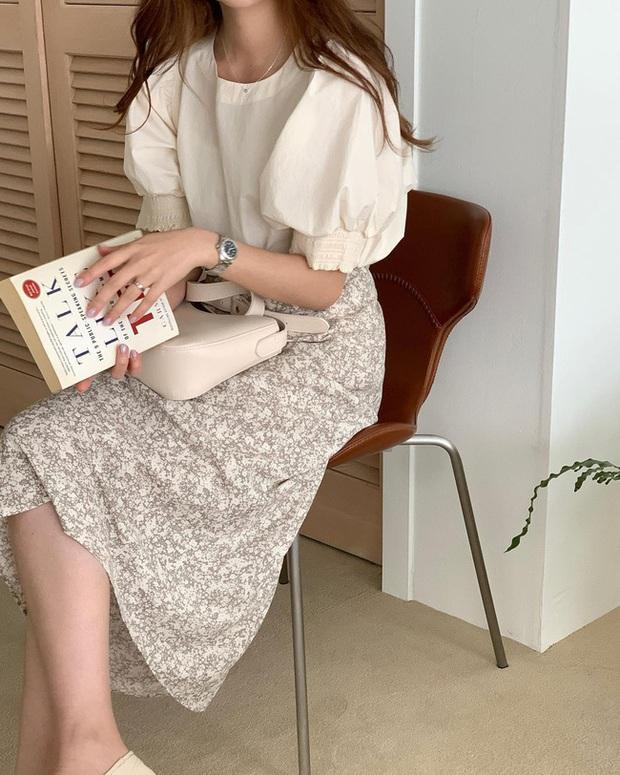 Và đây là 12 cách mix chân váy dài cực xinh của gái Hàn, đầu tuần khỏi phải lo mặc gì nhé! - Ảnh 11.