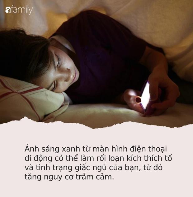 Thời điểm nguy hiểm nhất trong ngày bạn không nên dùng điện thoại vì có thể làm hỏng võng mạc, gây trầm cảm và ung thư - Ảnh 4.