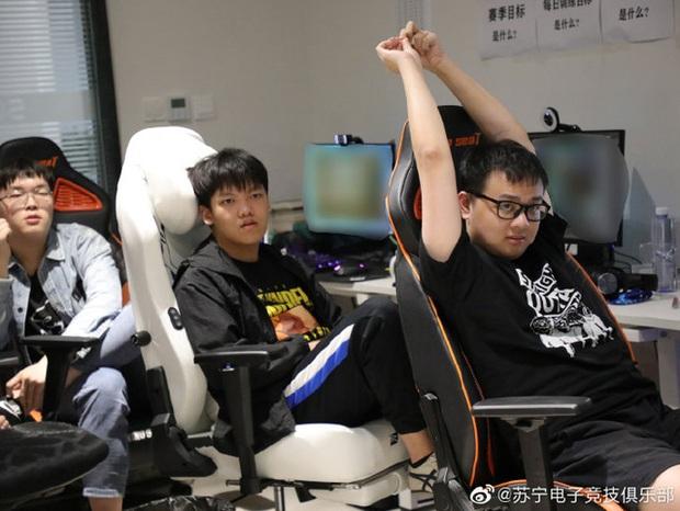 Quyết tâm giành vé đi CKTG, Suning trở thành đội LPL duy nhất có tất cả thành viên đạt Thách Đấu máy chủ Hàn Quốc - Ảnh 4.