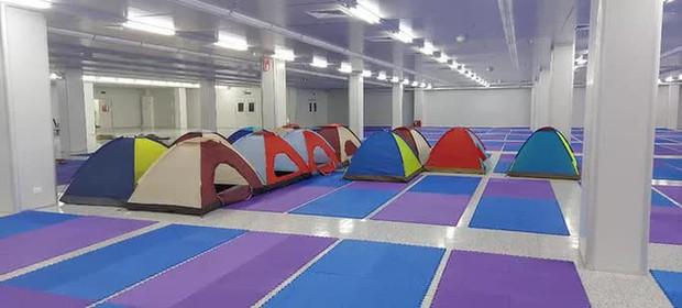 Những hình ảnh lắp lều ở Bắc Ninh để công nhân làm, nghỉ, ăn, ngủ tại công ty - Ảnh 5.