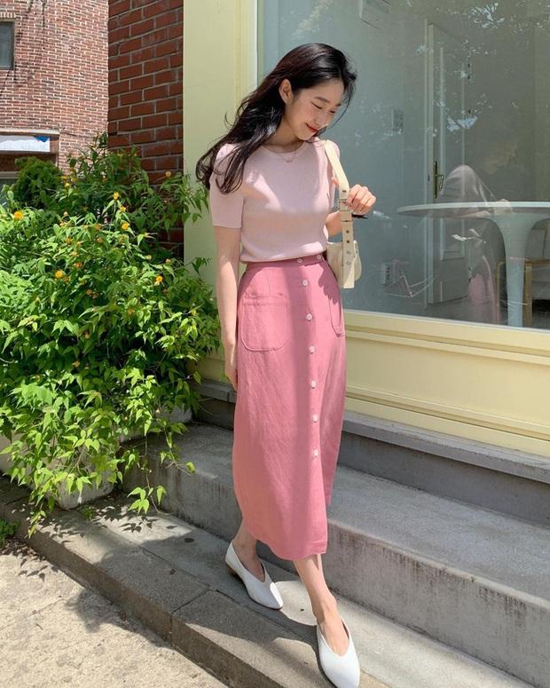 Và đây là 12 cách mix chân váy dài cực xinh của gái Hàn, đầu tuần khỏi phải lo mặc gì nhé! - Ảnh 6.