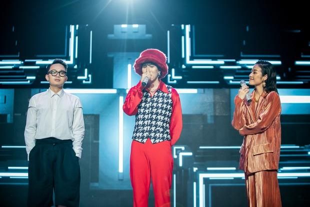 The Heroes: Quân A.P khiến giám khảo tranh giành vì chất giọng đàn ông, hát live ấn tượng - Ảnh 4.