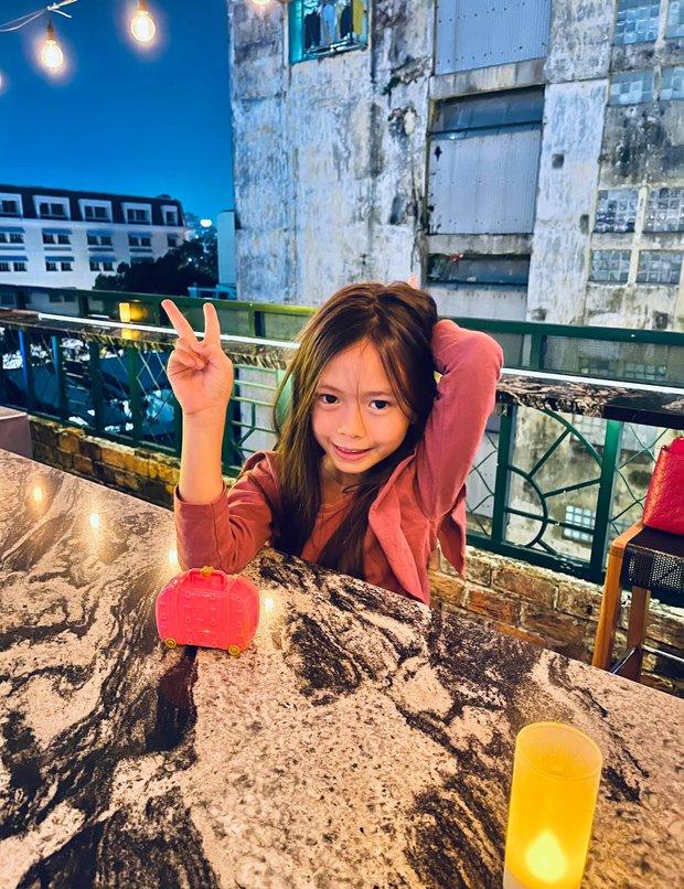Màn tụ họp gây sốt của 2 nhóc tỳ hot nhà Đoan Trang và Hà Hồ, Subeo thành tâm điểm vì biểu cảm cực lầy - Ảnh 6.