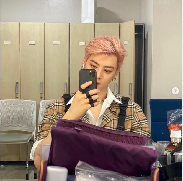 Sở hữu gần 20 triệu follower trên Instagram, nhưng G-Dragon vẫn ngậm ngùi đứng sau một nam hậu bối mới nổi - Ảnh 3.