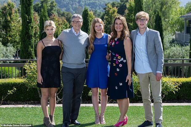 Cận cảnh lá đơn ly hôn của vợ chồng tỷ phú Bill Gates, tiết lộ người đệ đơn lên toà và lý do thực sự đằng sau khiến công chúng ngỡ ngàng - Ảnh 3.