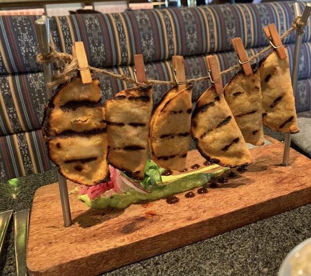 """Hễ các nhà hàng cao hứng """"bày vẽ"""" là thực khách lại câm nín và bó tay: Xin cho tôi bữa ăn bình thường được không? - Ảnh 5."""