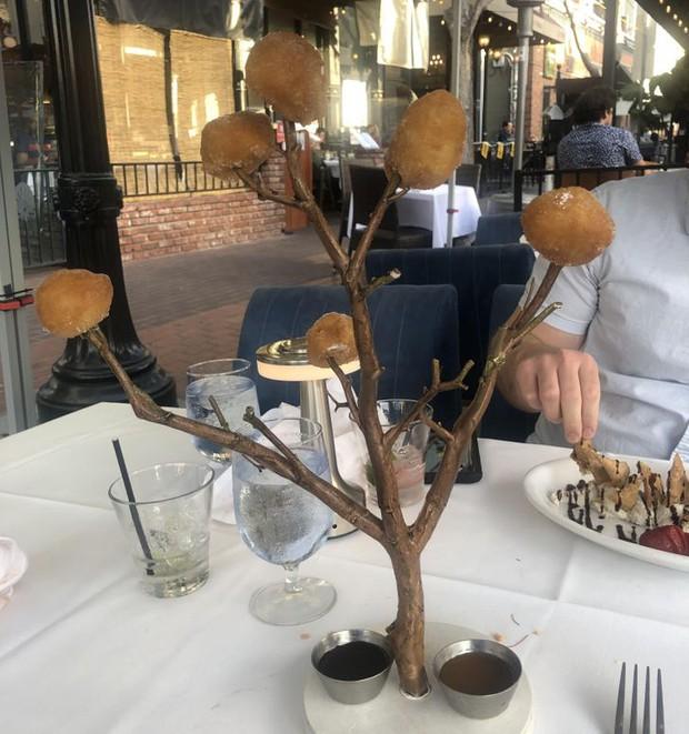 """Hễ các nhà hàng cao hứng """"bày vẽ"""" là thực khách lại câm nín và bó tay: Xin cho tôi bữa ăn bình thường được không? - Ảnh 15."""
