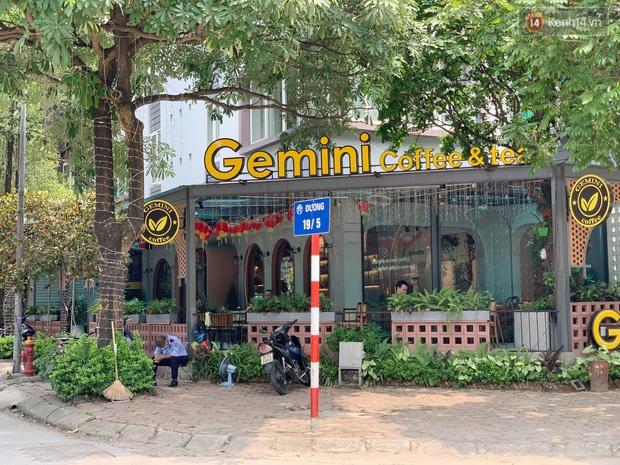Phố xá Hà Nội ngày đầu toàn dân đi làm trở lại: Lác đác hàng ăn sáng mở cửa, cà phê hiếm bóng người - Ảnh 14.