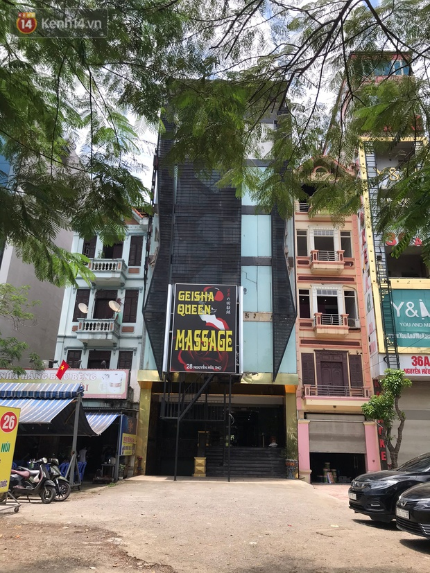 Rạp chiếu phim ở Hà Nội đồng loạt đóng cửa phòng dịch, nhiều khách cố mua suất chiếu cuối nhưng đành ngậm ngùi quay xe - Ảnh 7.