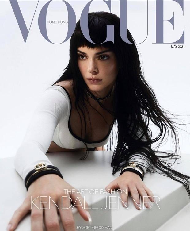 Kendall Jenner lên bìa Vogue, ai dè bị chê tới tấp: Mặt vô hồn, dáng kỳ lạ dìm cả body đến mức bị chê người mẫu tệ nhất lịch sử - Ảnh 2.
