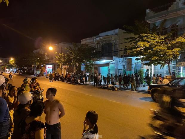 Một phụ nữ trúng đạn sau tiếng súng nổ gần quán cà phê tại Nha Trang - Ảnh 1.