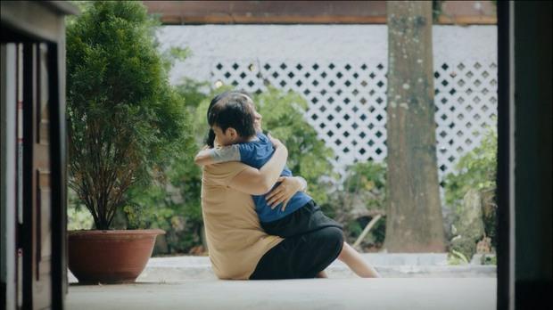 Xem MV này đi, đảm bảo bạn sẽ trở về ôm mẹ ngay thôi - Ảnh 1.
