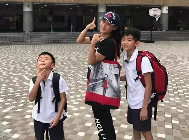 Được hỏi về người tình của bố, con trai Trương Bá Chi khiến Cnet bất ngờ với câu trả lời thể hiện EQ cao ngỡ ngàng - Ảnh 2.