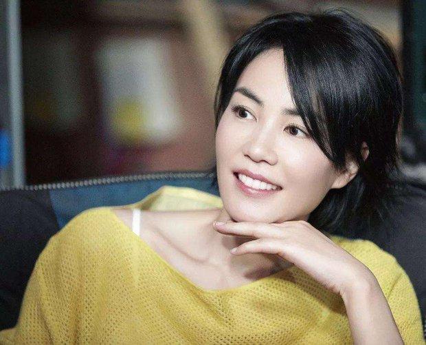 Được hỏi về người tình của bố, con trai Trương Bá Chi khiến Cnet bất ngờ với câu trả lời thể hiện EQ cao ngỡ ngàng - Ảnh 3.