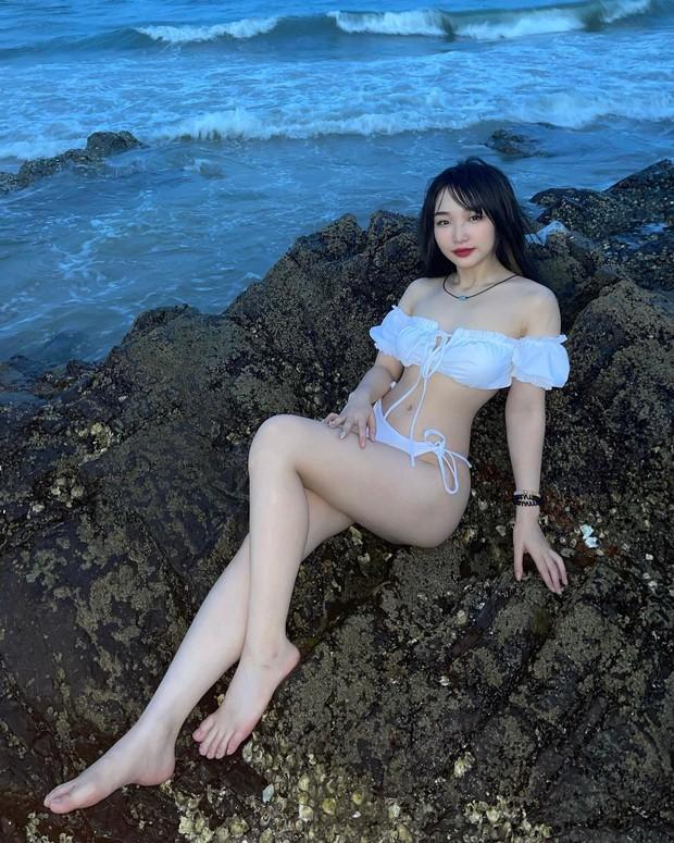 Hoa Nhật Huỳnh thẳng tiến vào đường đua bikini: Thả dáng cực nuột, khoe body mát mắt - Ảnh 4.