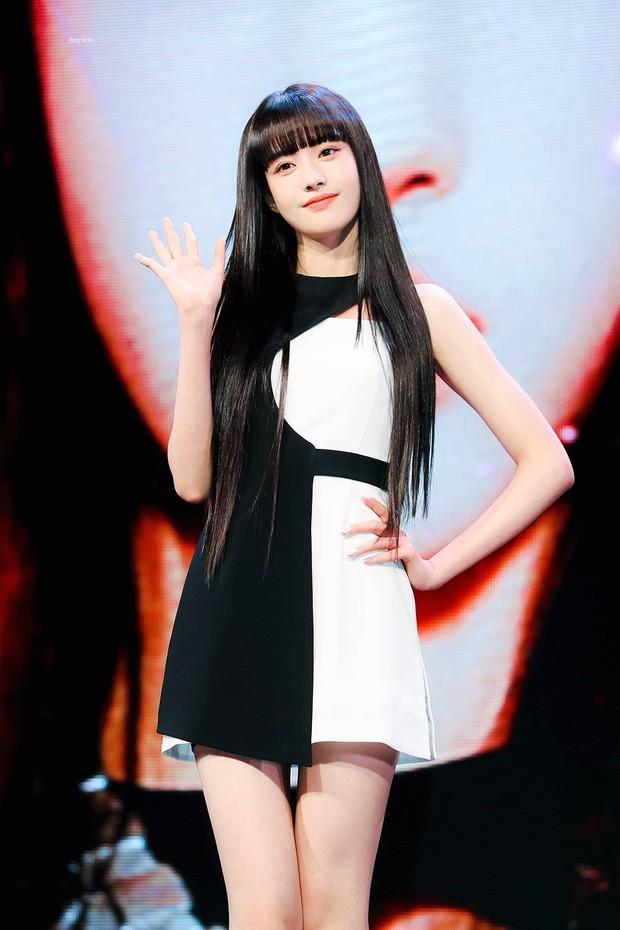 Năm 2004 diệu kỳ đánh dấu loạt visual thế hệ mới ra đời: Center Gen Z xinh như búp bê, nữ idol giống Yoona - Suzy gây sốt MXH - Ảnh 12.
