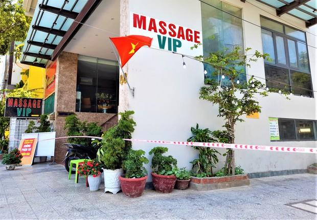 Nữ nhân viên massage dương tính với SARS-CoV-2 từng đi qua Hậu Giang, Cần Thơ và nhiều lần bắt Grab ra chợ, công viên - Ảnh 2.