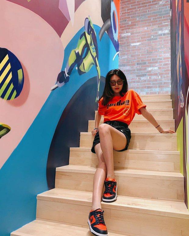 Style mùa hè của Tiffany - Sooyoung (SNSD) chính là chân ái cho những quý cô thanh lịch nhưng sexy khó cưỡng - Ảnh 11.