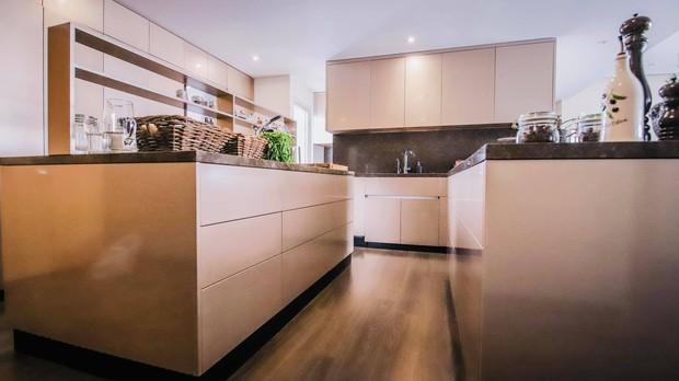 Đoan Trang khoe căn bếp mất 1 năm mới hoàn thiện, chiếc tủ lạnh thần kỳ khiến ai nhìn vào cũng trầm trồ - Ảnh 5.