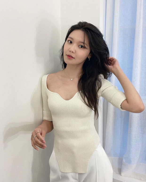 Style mùa hè của Tiffany - Sooyoung (SNSD) chính là chân ái cho những quý cô thanh lịch nhưng sexy khó cưỡng - Ảnh 8.