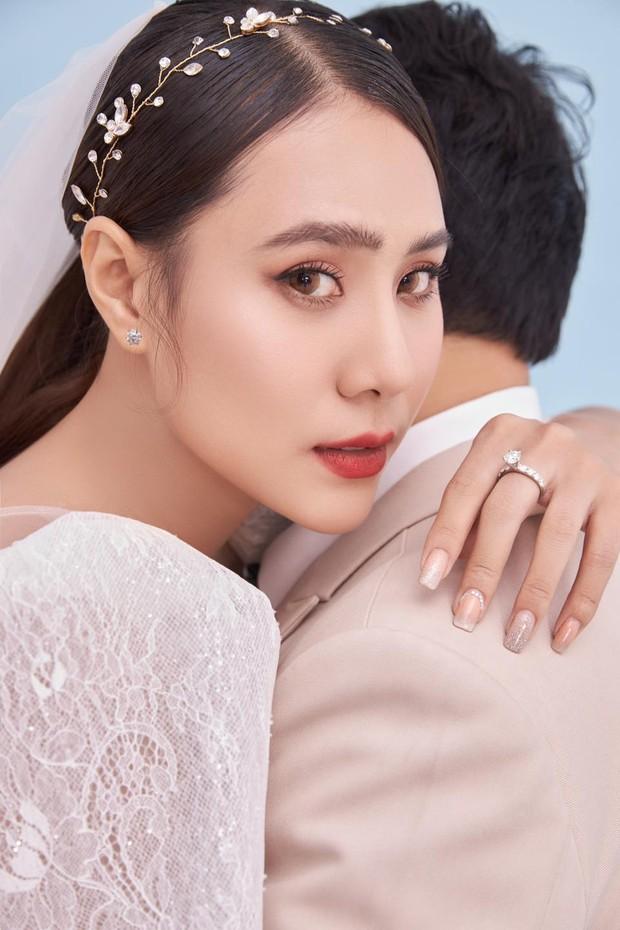 Đám cưới Hồ Bích Trâm ở Quảng Ngãi: Hé lộ chân dung chú rể, đeo vàng nặng cả cổ, lên tiếng chuyện đãi tiệc giữa mùa dịch - Ảnh 7.