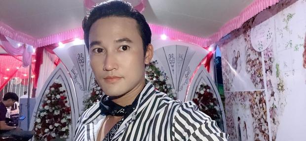 Đám cưới Hồ Bích Trâm ở Quảng Ngãi: Hé lộ chân dung chú rể, đeo vàng nặng cả cổ, lên tiếng chuyện đãi tiệc giữa mùa dịch - Ảnh 6.