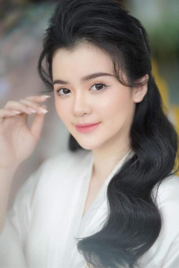 Con dâu sinh năm 96 của bà chủ Đại Nam Phương Hằng khoá Facebook sau lễ đính hôn ngập kim cương - Ảnh 3.