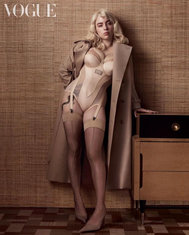 Lần đầu có mỹ nhân đi vào lịch sử chỉ vì... bung xõa sexy như Billie Eilish: Đạt luôn 100 triệu like chỉ với 8 bức ảnh bốc lửa - Ảnh 4.