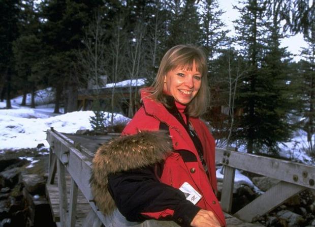Vợ Bill Gates vẫn cho phép chồng du lịch hằng năm với bạn gái cũ sau khi kết hôn, danh tính người cũ được đào lại gây chú ý - Ảnh 2.