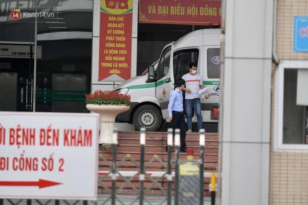 NÓNG: Phong toả Bệnh viện Bệnh Nhiệt đới Trung ương cơ sở 2 - Ảnh 3.