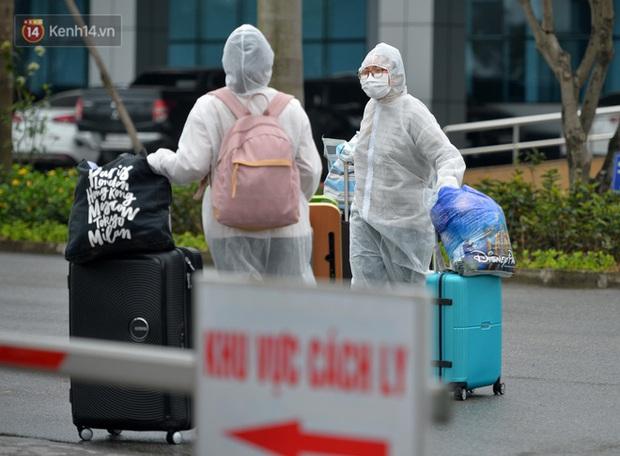 Lịch trình nữ điều dưỡng Bệnh viện Bệnh Nhiệt đới TW dương tính SARS-CoV-2: Ăn liên hoan, đi xe khách từ Nam Định lên Hà Nội, đi làm, uống cafe - Ảnh 1.