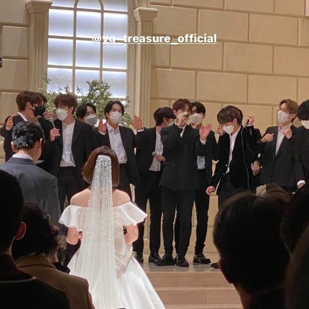 Nhà YG đi ăn đám cưới staff còn hát mừng cực ngọt, netizen cua gắt: May mà không hát Kill This Love của BLACKPINK - Ảnh 3.