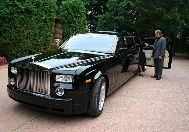 Huyền thoại tài phiệt mua 30 chiếc Rolls-Royce hơn 460 tỷ, cưng vợ siêu mẫu kém 30 tuổi như bà hoàng và cái kết bất ngờ vì vỡ nợ - Ảnh 10.