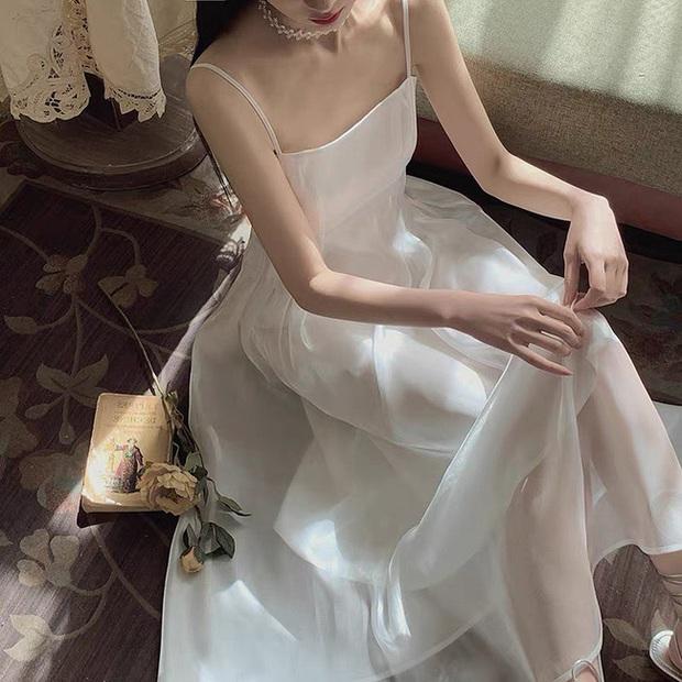 HH Kỳ Duyên mới đổi kiểu váy hai dây: Diện lên hình sống ảo xinh ngây ngất và còn tiết lộ luôn chỗ mua - Ảnh 13.