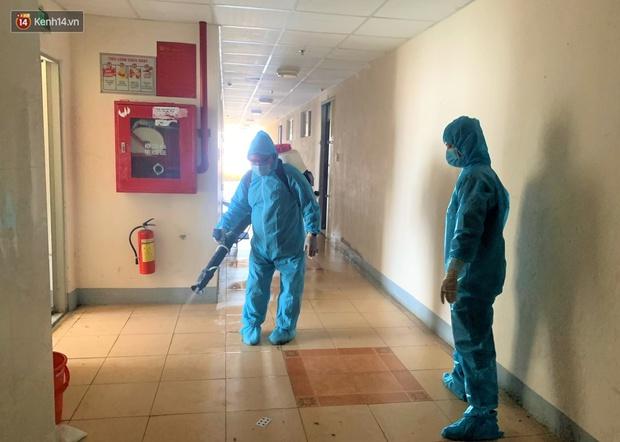 Đà Nẵng phong tỏa 1 chung cư, xét nghiệm 500 người vì liên quan đến ca dương tính với SARS-CoV-2 - Ảnh 9.
