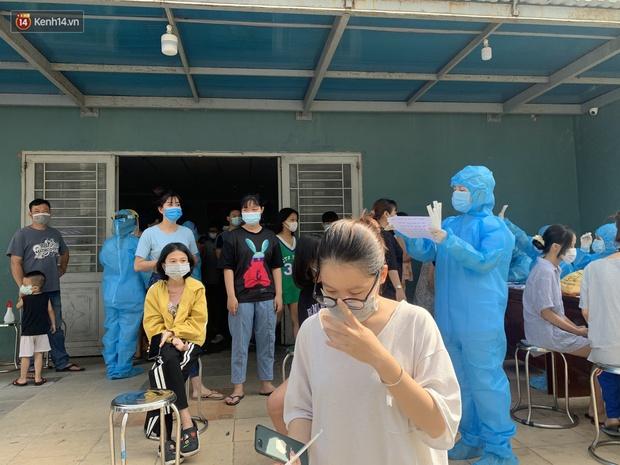 Đà Nẵng phong tỏa 1 chung cư, xét nghiệm 500 người vì liên quan đến ca dương tính với SARS-CoV-2 - Ảnh 6.