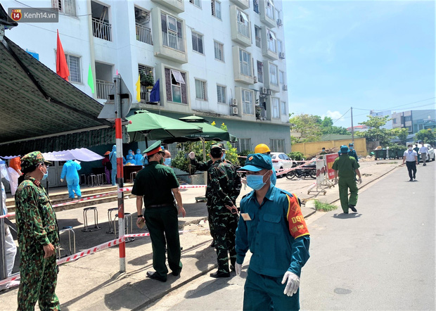 Đà Nẵng phong tỏa 1 chung cư, xét nghiệm 500 người vì liên quan đến ca dương tính với SARS-CoV-2 - Ảnh 3.