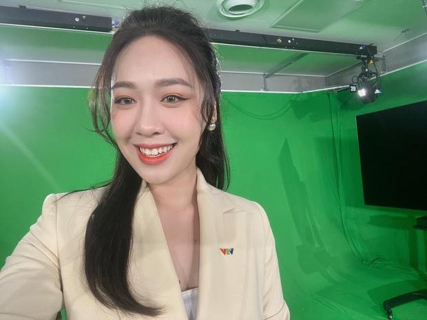 Nữ BTV tiết lộ từng bị đồng nghiệp gièm pha: Sao mấy đứa đi thi Hoa hậu về cứ muốn vào VTV làm thế nhờ? - Ảnh 1.