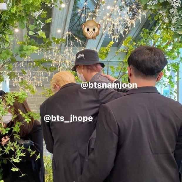 Đám cưới chị gái J-Hope: Dàn khách mời BTS visual đỉnh cao, riêng thành viên giàu nhất nhóm nhuộm tóc mới gây sốt - Ảnh 10.