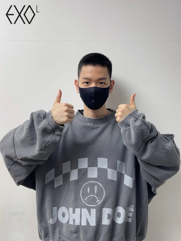 Hé lộ hình ảnh nhập ngũ đầu tiên của Baekhyun (EXO) vào hôm nay, body lột xác khiến fan gào thét không thôi - Ảnh 6.