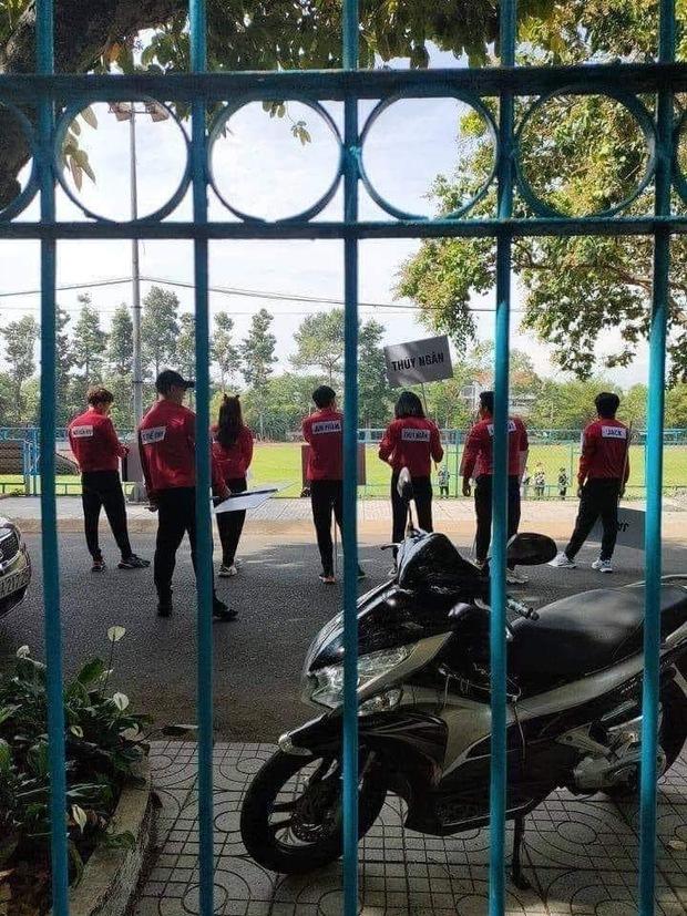 Lộ ảnh Jack ướt nhẹp cùng Jun Phạm, Ninh Dương Lan Ngọc chơi Running Man Việt - Ảnh 4.