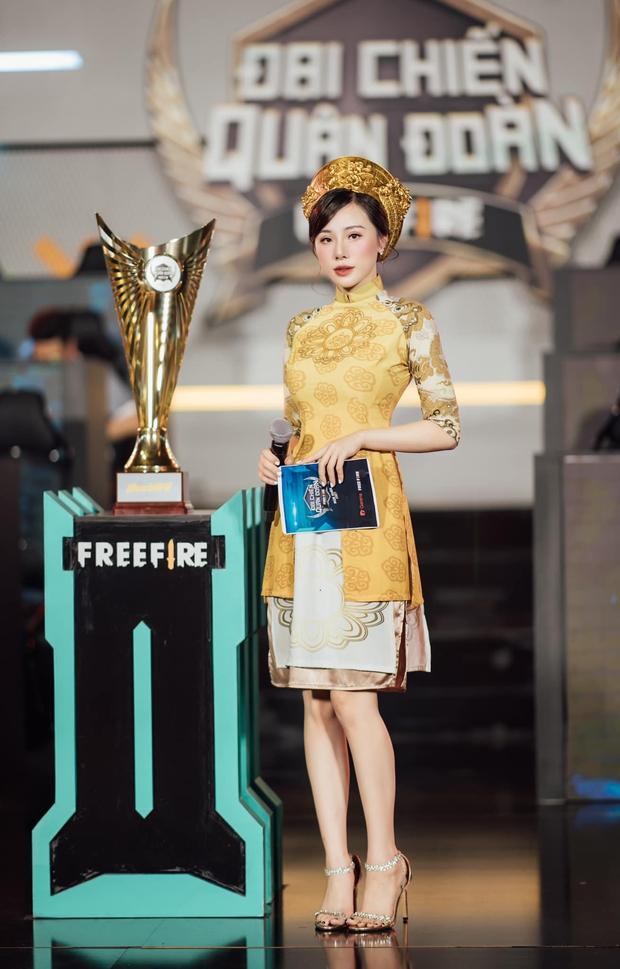 Ngắm trọn bộ hình ảnh MC Minh Anh trong tà áo dài, bẻ lái từ hình mẫu quyến rũ sang thục nữ vẫn khiến game thủ đứng ngồi không yên vì quá xinh đẹp! - Ảnh 6.